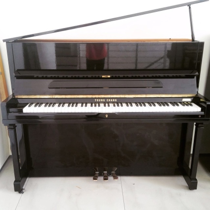 Jual Young Chang upright piano